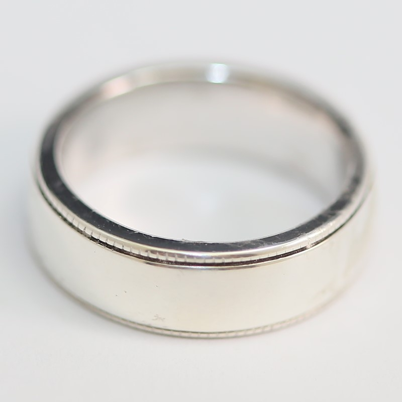 Sterling Silver Scalloped Edge Comfort Fit Wedding Band Size 9