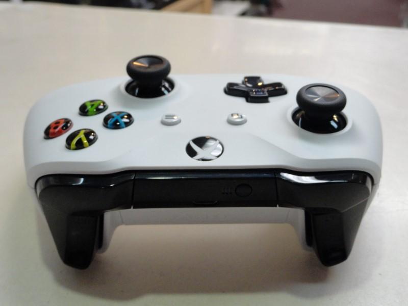 Microsoft 1708 Xbox One Wireless Controller - White