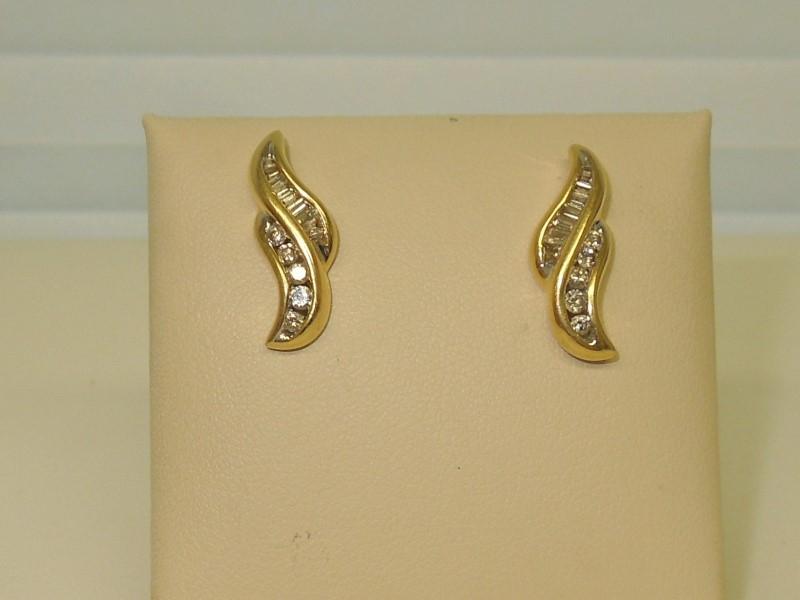 Gold-Diamond Earrings 24 Diamonds .92 Carat T.W. 14K Yellow Gold 4.7g