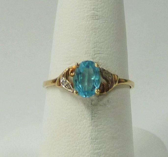 Synthetic Aquamarine Lady's Stone Ring 10K Yellow Gold 0.96dwt