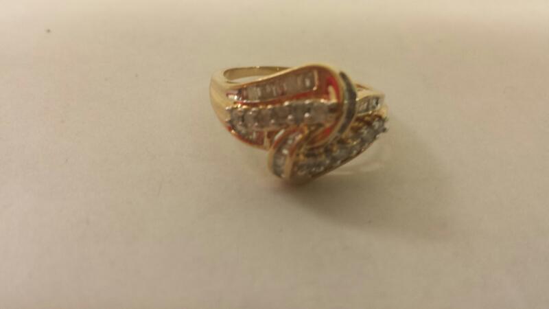 Lds 10K-Y/G Diamond Fashion Ring