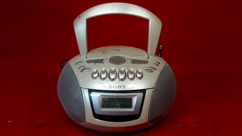 SONY Boom Box CFD-E75