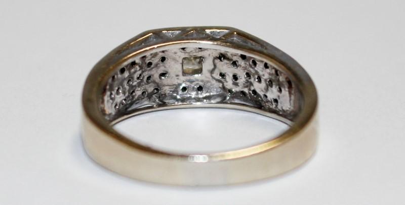 Lady's Diamond Cluster Ring 41 Diamonds .50 Carat T.W. 14K Yellow Gold 5.7g