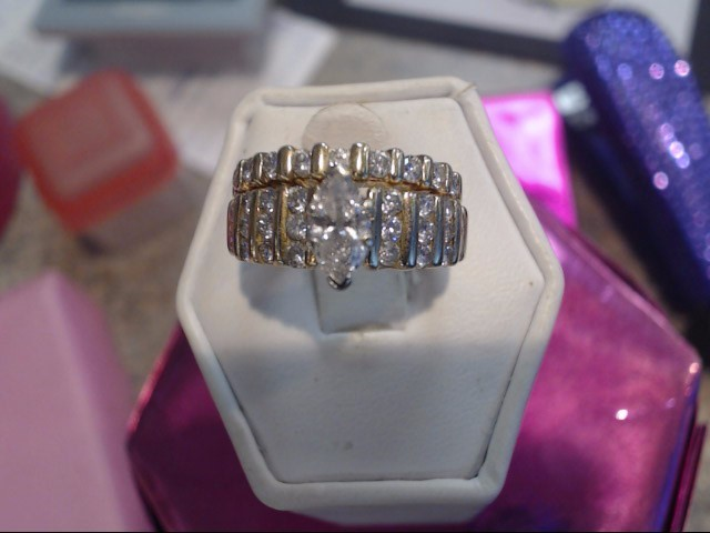 Lady's Diamond Wedding Set 31 Diamonds 1.40 Carat T.W. 14K Yellow Gold 5.15dwt