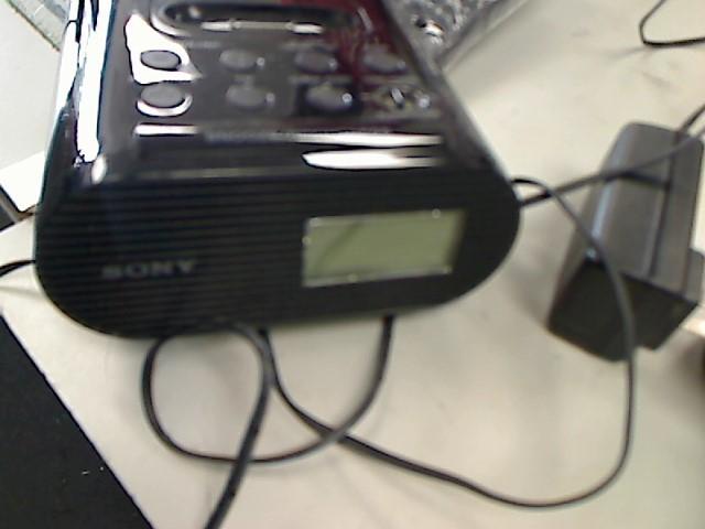 SONY IPOD/MP3 Accessory ICF-C05IP
