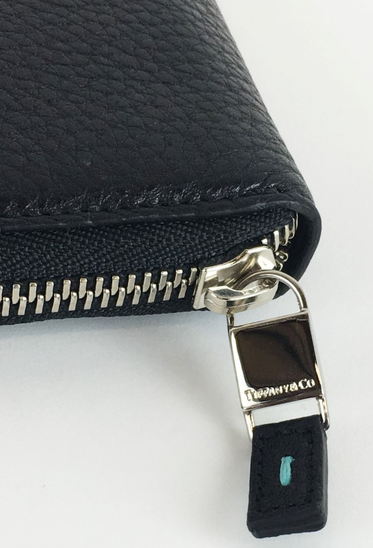 TIFFANY & CO BLACK LEATHER SMART ZIP AROUND WALLET