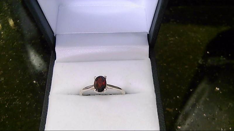 Lady's Garnet Silver Ring 925 Size 7.5