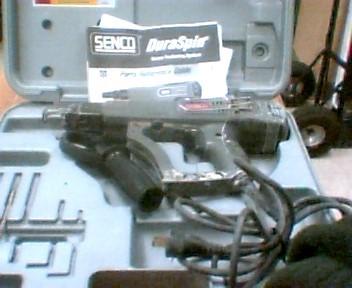 SENCO SCREW GUN