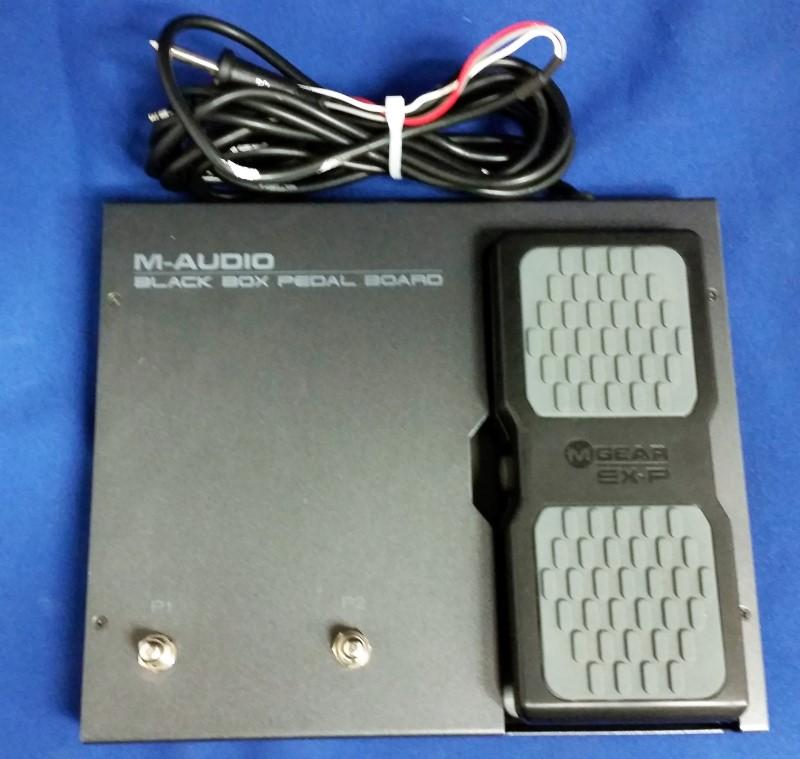 M AUDIO BLACK BOX PEDAL BOARD