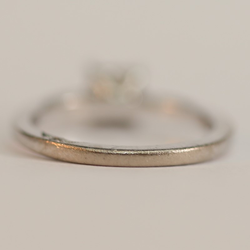 Vintage Inspired 18K W/G Diamond Solitaire Engagement Ring Size 5.5