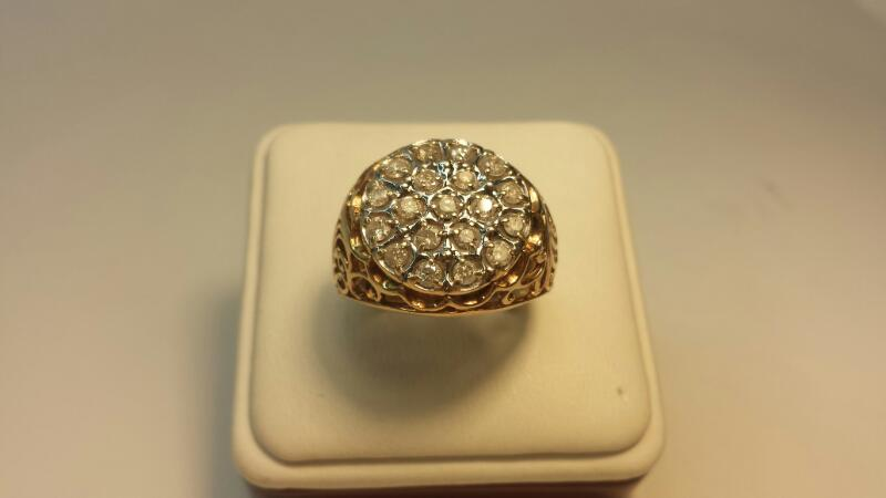 10k Yellow Gold Ring with 19 Diamonds at 1.14ctw - 5.4dwt - Size 9