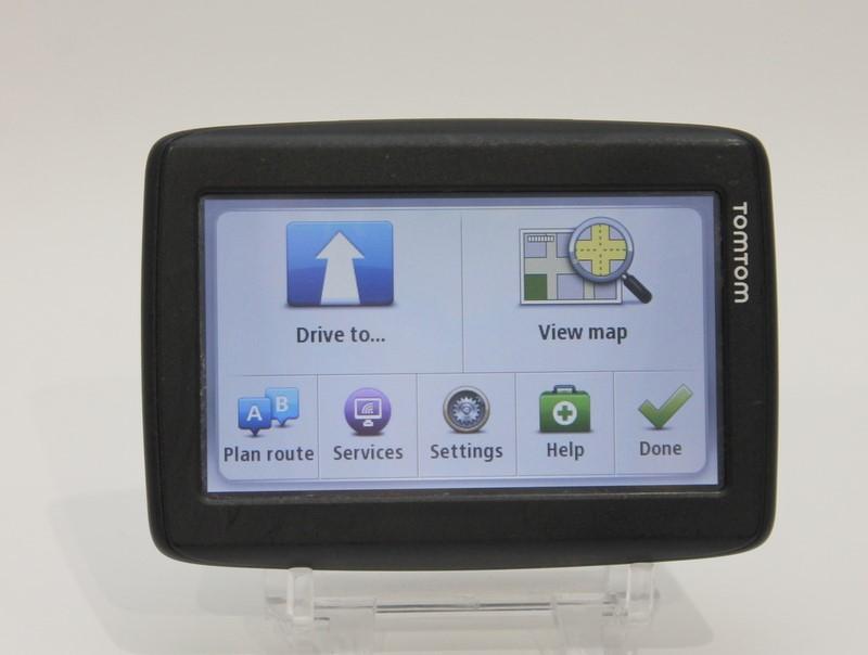 "TomTom 4EN42 Z1230 4.3"" Automotive Navigation GPS Bundle w/ Mount>"