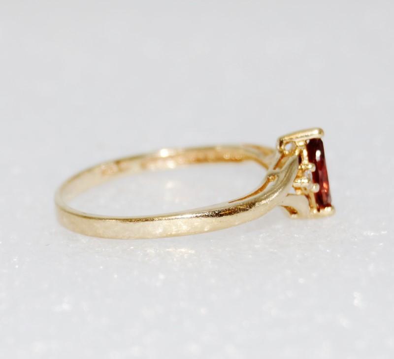 10K Yellow Gold Dainty Marquise Garnet & Diamond Ring Size 7