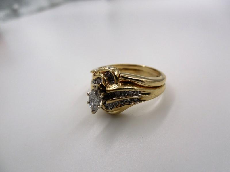 Lady's Diamond Wedding Set 25 Diamonds APX .42 Carat T.W. 14K Yellow Gold 5.5g