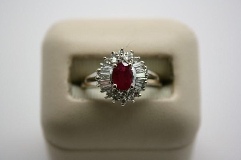 LADY'S FASHION DIAMOND & RUBY RING 18K WHITE GOLD