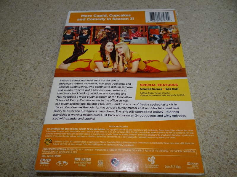 WARNER BROTHERS DVD 2 BROKE GIRLS