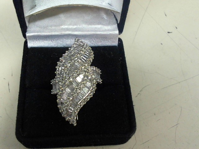Lady's Diamond Cluster Ring 136 Diamonds 1.91 Carat T.W. 14K White Gold 11.02g