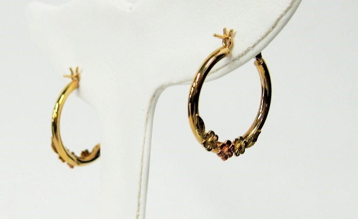 Gold Earrings 14K 2 Tone Gold 0.95dwt