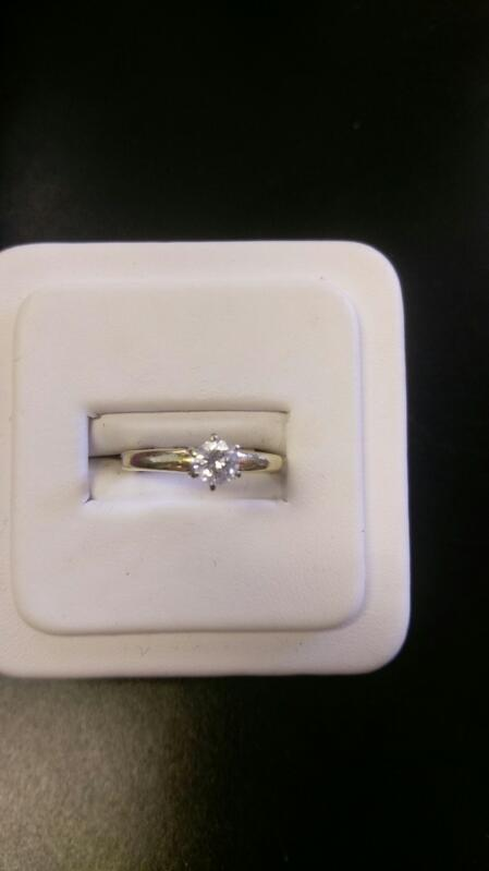 Lady's Diamond Engagement Ring SIZE 7 .50 CT. 14K Yellow Gold 2.2g