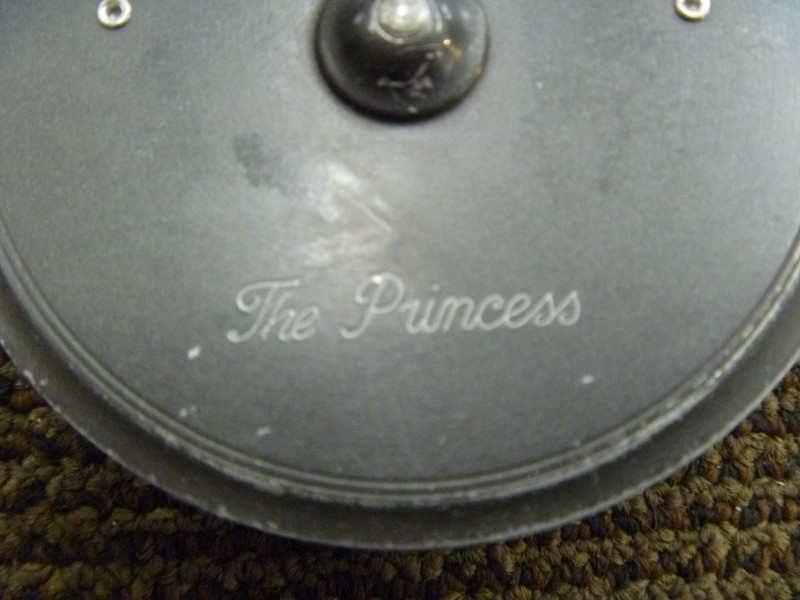 HARDY BROS. THE PRINCESS VINTAGE FLY FISHING REEL WITH ORIGINAL CASE (ENGLAND)