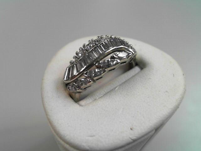 Lady's Diamond Cluster Ring 30 Diamonds 1.52 Carat T.W. 14K White Gold 3.7g