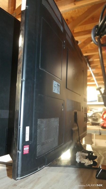 LG Flat Panel Television 60PV400