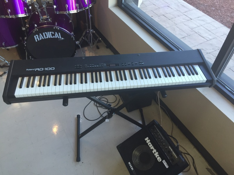 ROLAND Keyboards RD-100