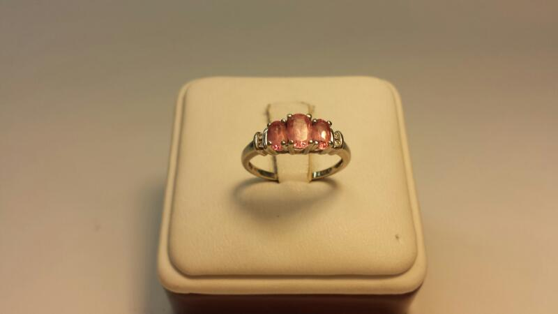 10k White Gold Ring with 3 Pink Oval Stones & 3 Diamond Chips - 1.3dwt - Size 6