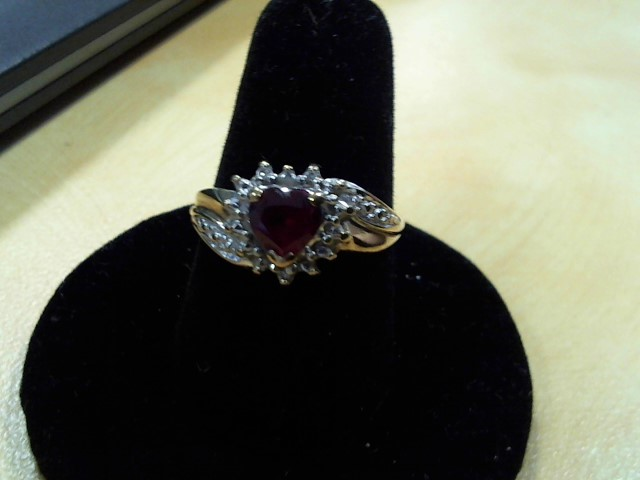 Red Stone Lady's Stone Ring 10K Yellow Gold 2.4g