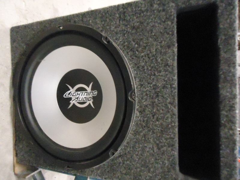 "LIGHTNING AUDIO Speakers/Subwoofer 12"" SUBS AND BOX"