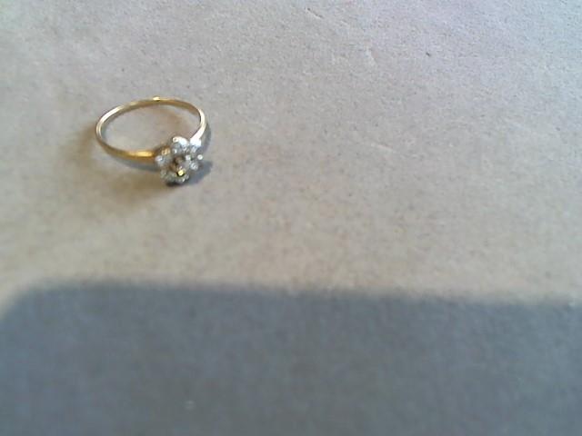 Lady's Diamond Cluster Ring 6 Diamonds .06 Carat T.W. 14K Yellow Gold 1.5g