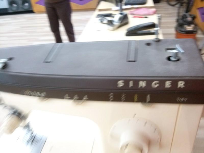 SINGER Sewing Machine 7184