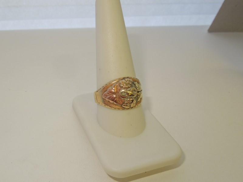 Gent's Gold Ring 10K Tri-color Gold 7.8g