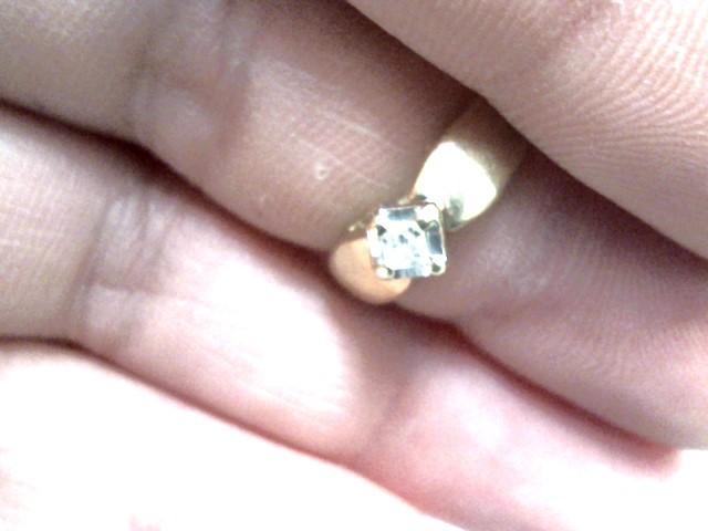 Lady's Diamond Fashion Ring .10 CT. 10K Yellow Gold 1.4dwt