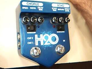 Visual Sound V2 H20 Chorus Echo Delay Guitar Effect Pedal