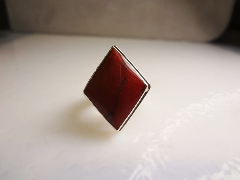 RED STONE LADIES RING S925 11.2G SZ.7