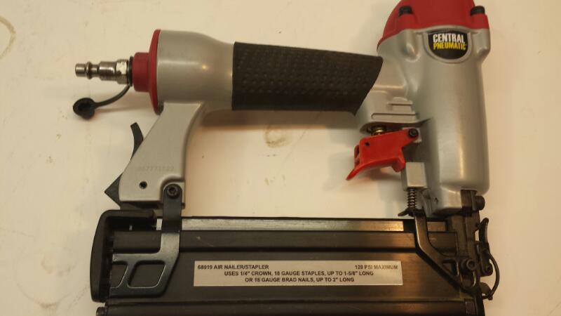 Central Pneumatic Model 68019 Air Nailer/Stapler