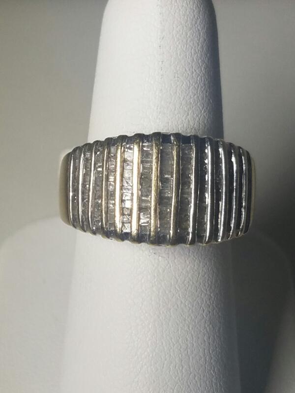Lady's Diamond Cluster Ring 300 Diamonds 3.00 Carat T.W. 14K White Gold 4.6dwt
