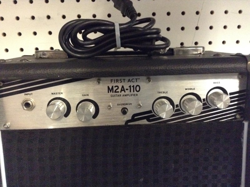 FIRST ACT Electric Guitar Amp M2A 110