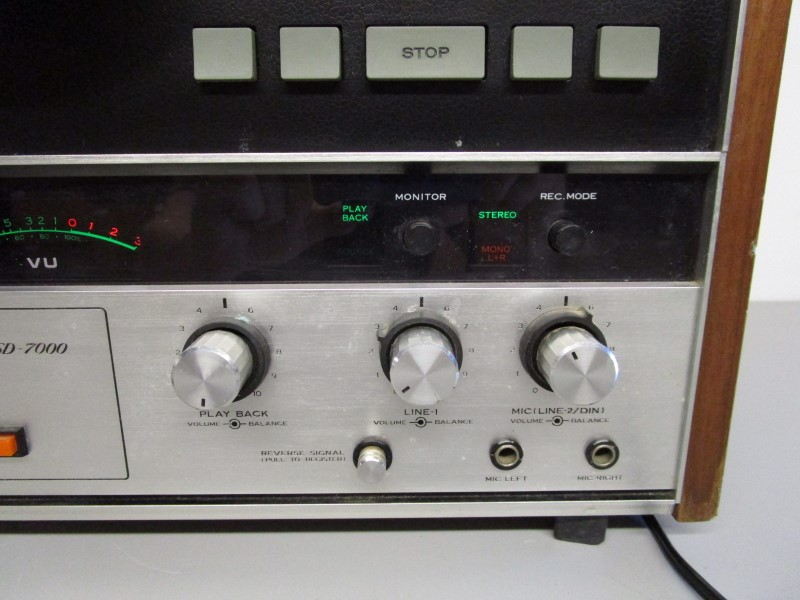 SANSUI SD-7000 SOLID STATE REEL TO REEL STEREO TAPE DECK