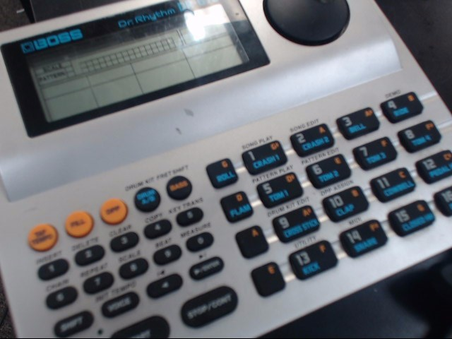 BOSS DJ Equipment DR RHYTHM DR-670