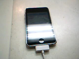 APPLE IPOD IPOD MB528LL/A TOUCH 8GB