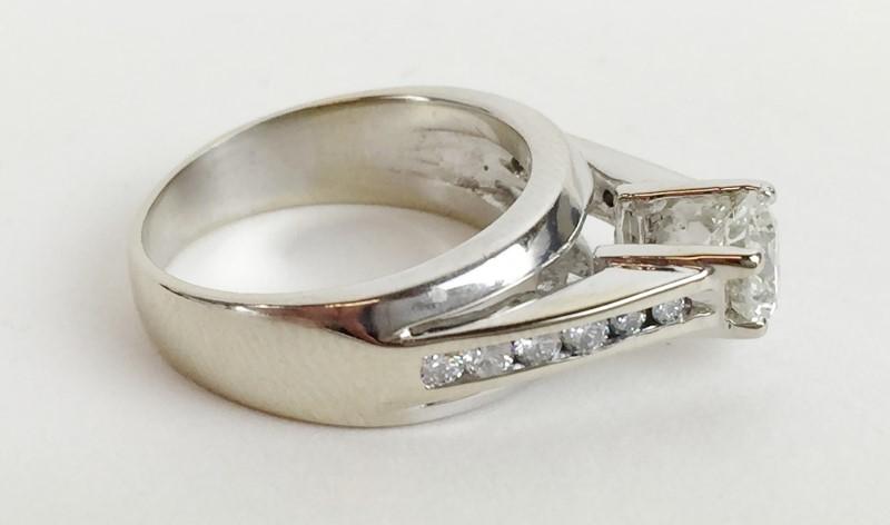 Lady's Diamond Engagement Ring 1.09 CTW 18K WG 8.7g