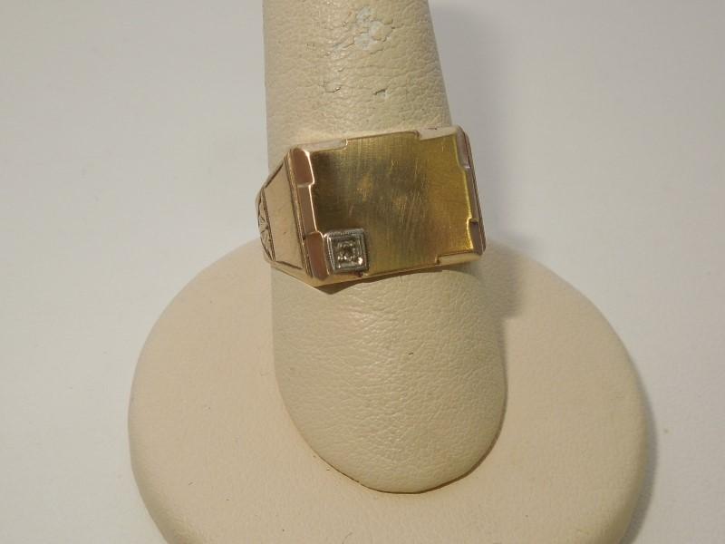 Gent's Diamond Fashion Ring .01 CT. 10K Yellow Gold 4.3g