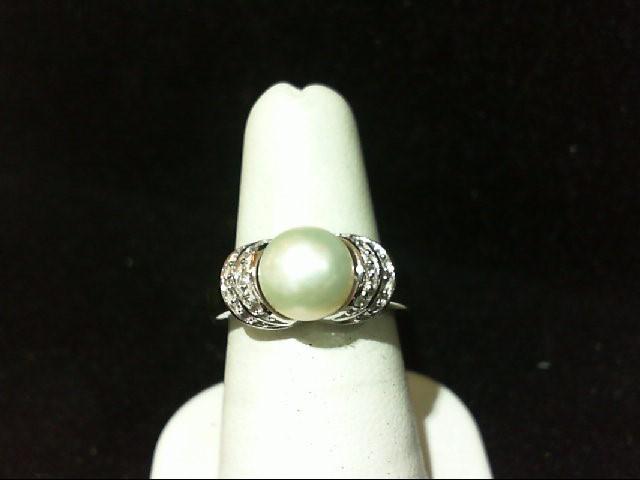 Lady's Silver-Diamond Ring 6 Diamonds .030 Carat T.W. 925 Silver 4.9g