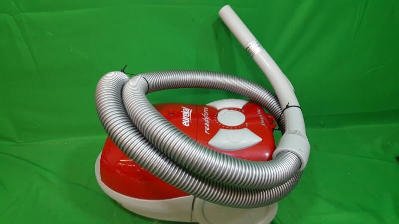 EUREKA Vacuum Cleaner 900
