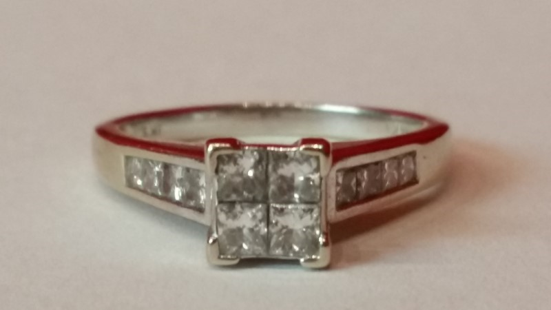 Lady's Diamond Engagement Ring 8 Diamonds .64 Carat T.W. 14K White Gold 5.01g