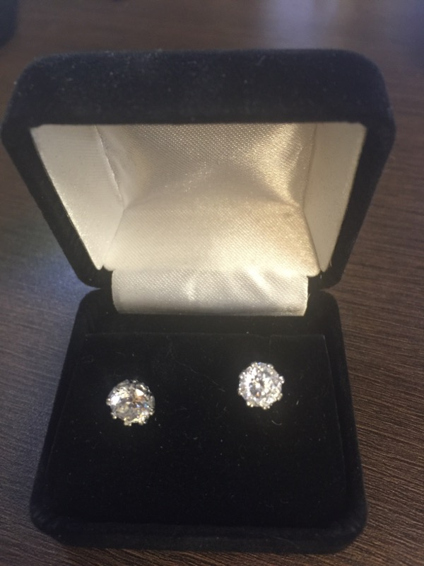 Synthetic Cubic Zirconia Silver-Stone Earrings 925 Silver 2.3g