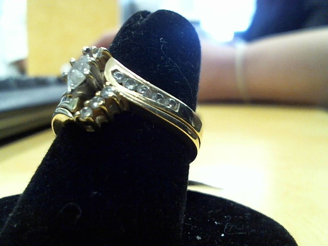 Lady's Gold-Diamond Anniversary Ring .30 CT. 14K Yellow Gold 4.8g