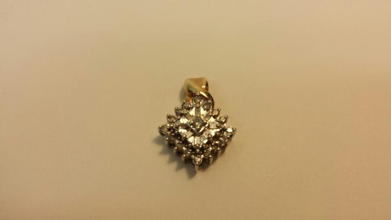 14k Yellow Gold Pendant with 25 Diamonds at .27ctw - 1.1dwt